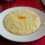 молочная каша (рисовая, пшеничная, овсяная, манная или гречневая)