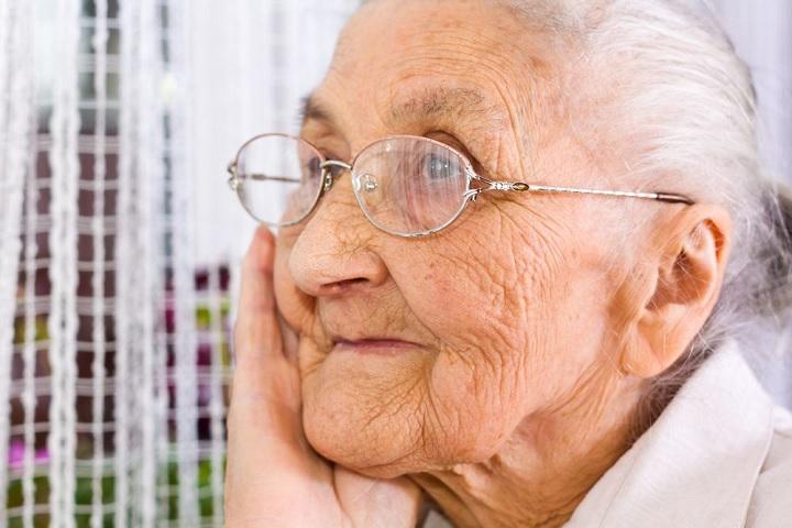 Уход за пожилыми людьми после 80 лет